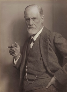 Sigmund_Freud,_by_Max_Halberstadt_(cropped)